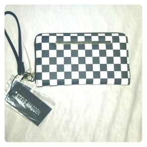 🏁 Steve Madden checkered wallet